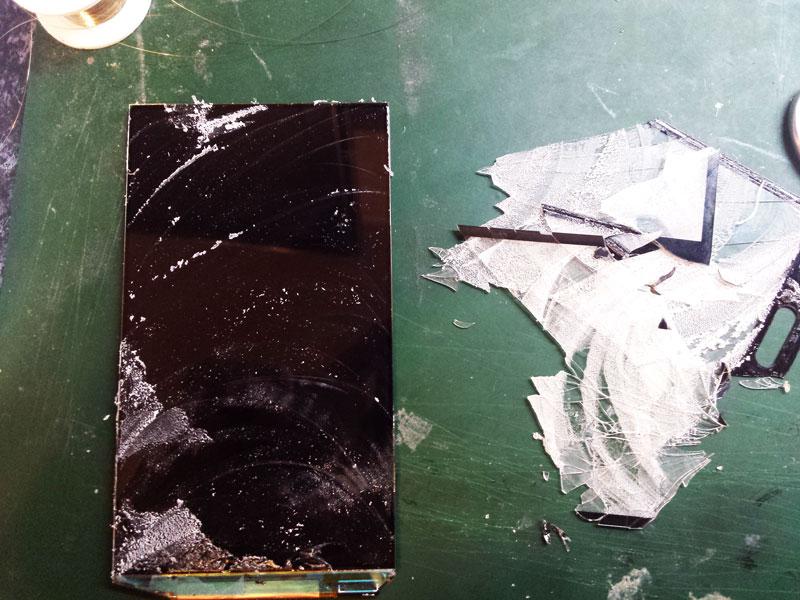 Вид после отделения стекла от дисплея -Samsung s5