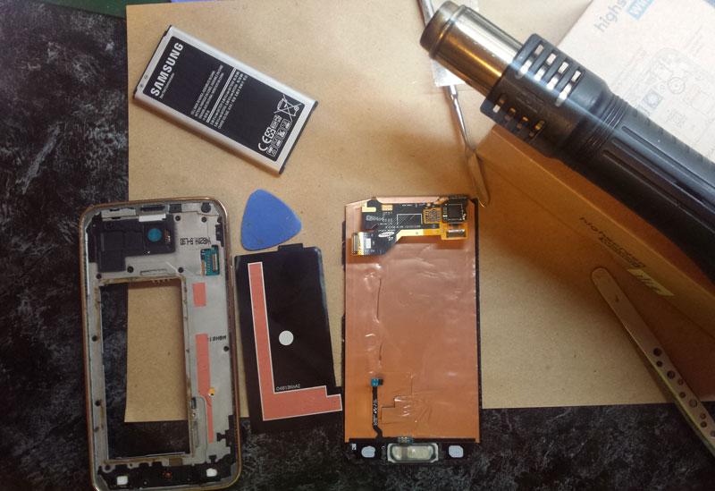 Дисплей со стеклом после демонтажа металлической пластины - samsung s5