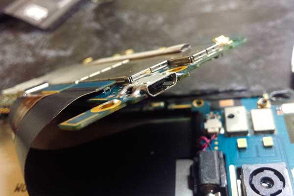 Разъем зарядки после ремонта
